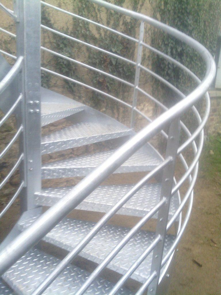 Escalier extérieur galva